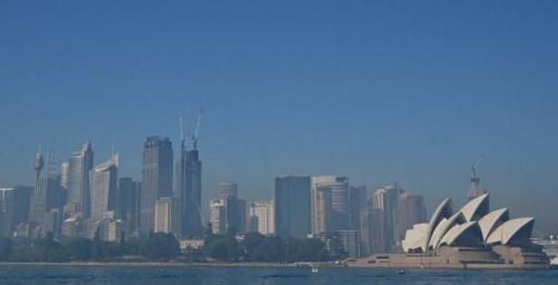 Feux de brousse en Australie: Sydney recouverte d'un voile de brume
