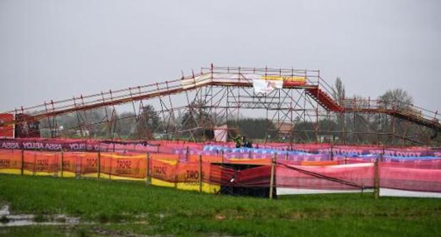 Coupe du monde de cyclocross: Lucinda Brand, insatiable, l'emporte à Dendermonde, Sanne Cant 6e