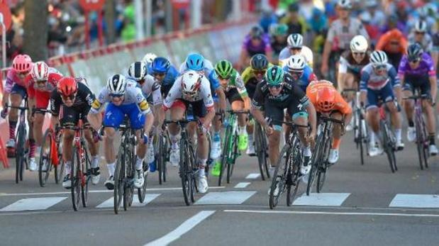 Tour d'Espagne : Sam Bennett déclassé, Pascal Ackermann remporte la 9e étape devant Gerben Thijssen