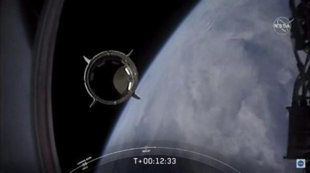 Koppeling van Amerikaanse capsule aan Internationaal Ruimtestation ISS nakend