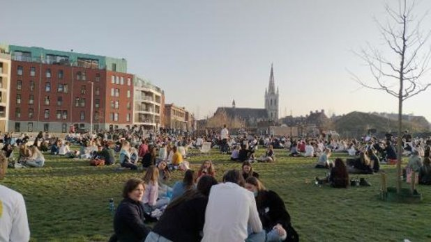 Leuvens stadspark en Sluispark afgesloten wegens drukte