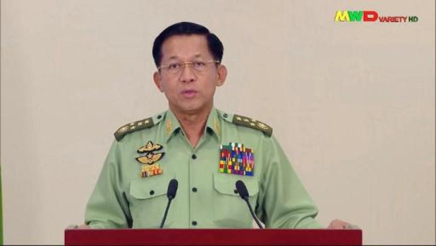 """Le chef de l'armée en Birmanie justifie son coup d'Etat en dénonçant """"des fraudes électorales"""""""