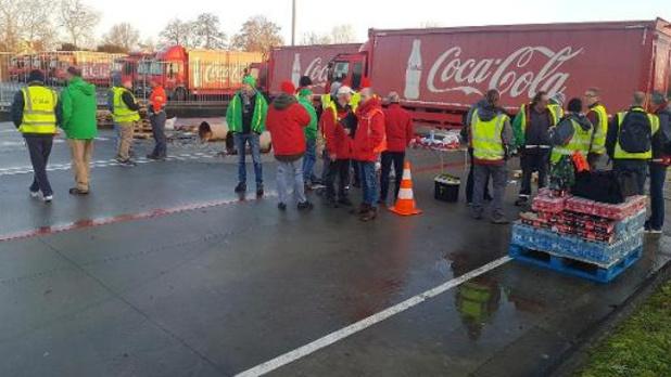 Les blocages de centres de distribution de Coca-Cola se poursuivent