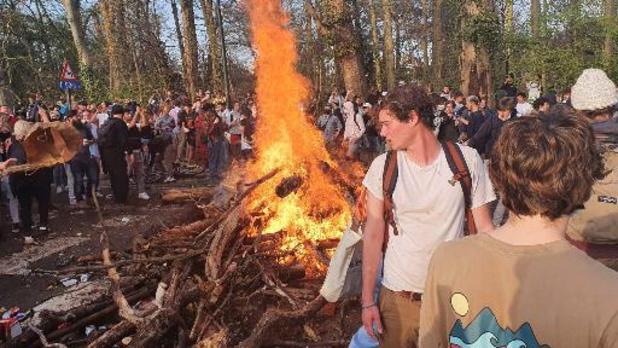 Evacuation au bois de la Cambre: 4 arrestations administratives et 3 policiers blessés