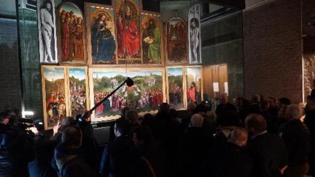 Sint-Baafskathedraal onthult gerestaureerd meesterwerk 'Lam Gods'
