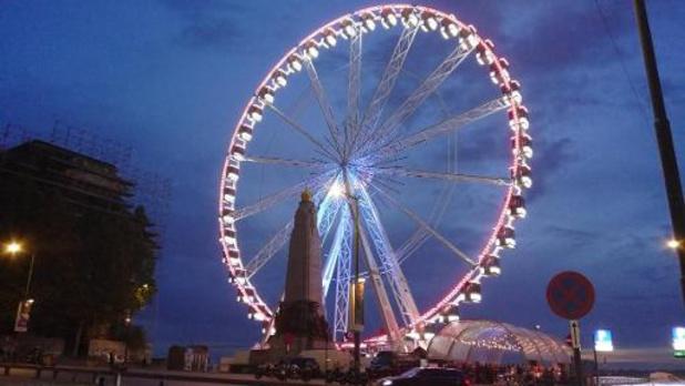 Stad Brussel geeft groen licht voor permanent reuzenrad op Poelaertplein