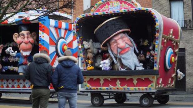 De Zwiejtollekes trekken controversiële Joodse poppen opnieuw door straten van Aalst