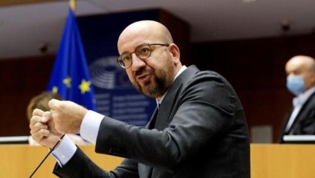 """Retards dans les livraisons de vaccins: l'UE demande de """"la transparence"""" aux entreprises"""