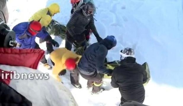 Minstens tien doden bij lawines in Iran, 80 bergbeklimmers gered