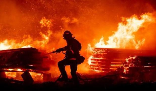 Bosbrandenseizoen in Californië breekt triest record