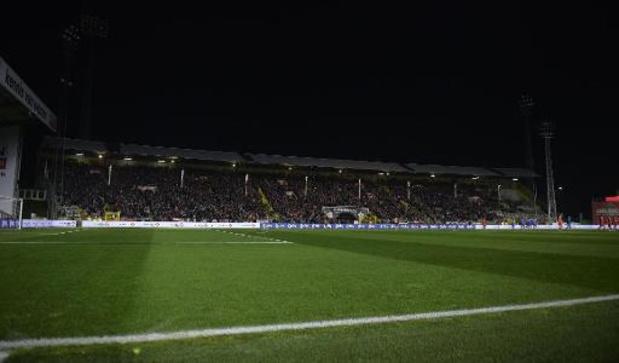 Croky Cup - Le match Antwerp - Genk arrêté à cause d'une panne de lumière