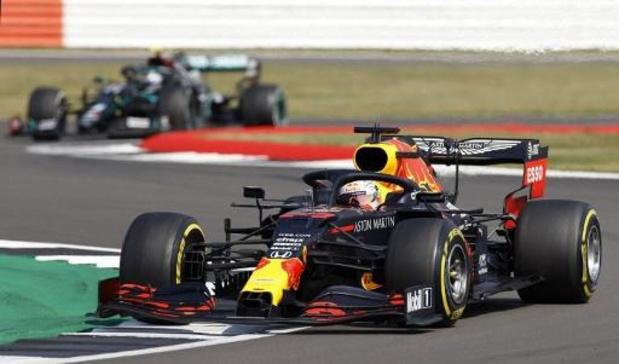 Max Verstappen (Red Bull) blijft Mercedessen van Hamilton en Bottas voor