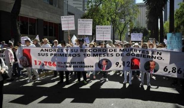 Mexique: manifestations et célébrations pour la première année du mandat d'AMLO