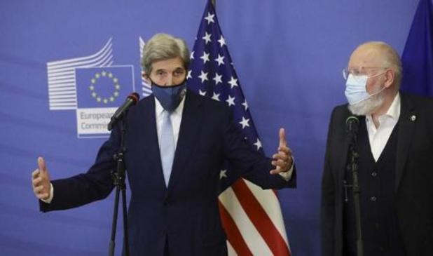 Changement climatique: à Bruxelles, John Kerry plaide pour renforcer la coopération USA-UE
