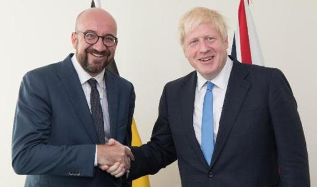 Boris Johnson laat zich op Europese top vervangen door... Charles Michel