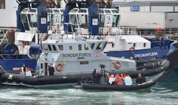 Le gouvernement britannique envisage d'installer des barrières flottantes dans la Manche