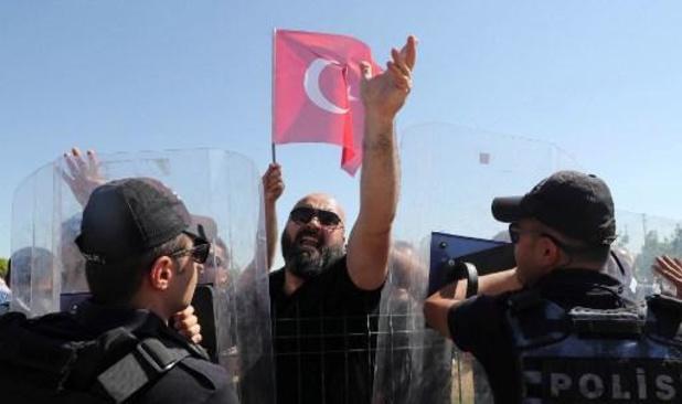 Turkije pakt honderd vermoedelijke IS-aanhangers op bij razzia's