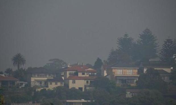 L'Australie reste en alerte face aux feux de forêt dont certains embrument encore Sydney