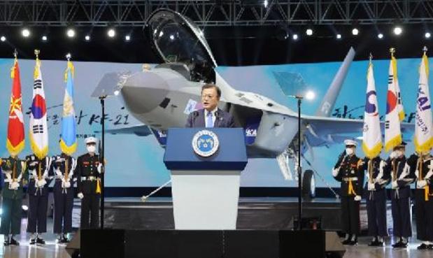 Zuid-Korea stelt eigen gevechtsvliegtuig voor