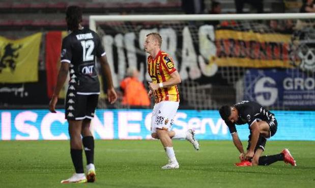 Jupiler Pro League - Charleroi encore battu, Genk bat Seraing et revient à un point de Bruges