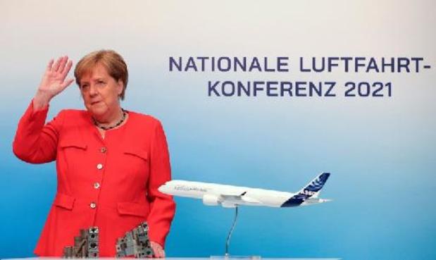 Vliegverkeer moet snel overstappen op hernieuwbare energie