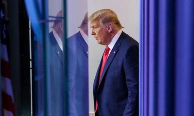Trump herhaalt fraudeclaims, geeft toe dat de juridische opties slinken
