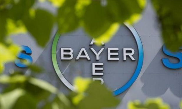 Bayer lâche encore du lest