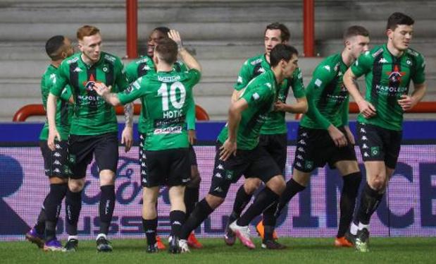 Jupiler Pro League - Cercle doet gouden zaak in Moeskroen en geeft rode lantaarn aan Waasland-Beveren