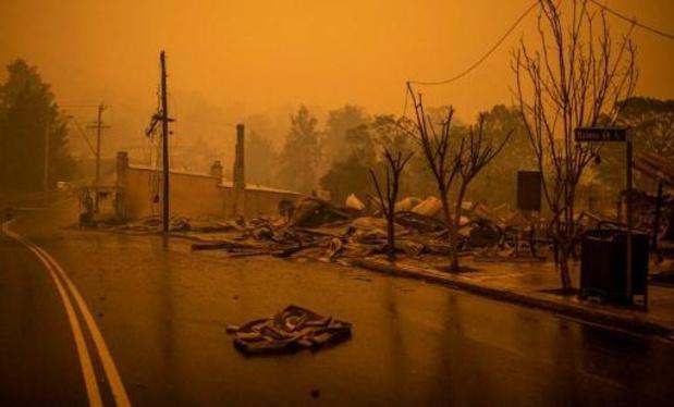 Bosbranden Australië - Dodentol loopt op tot veertien