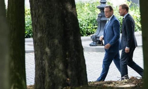 Le duo Magnette - De Wever discute et se dirige vers son premier rapport au Roi