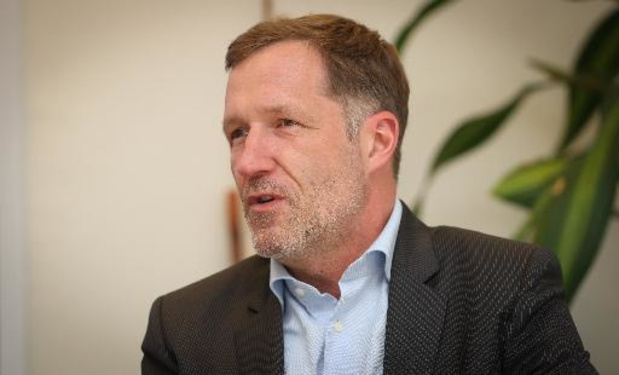 """Climat - Paul Magnette veut """"la gratuité totale"""" des transports en commun, dont la SNCB"""
