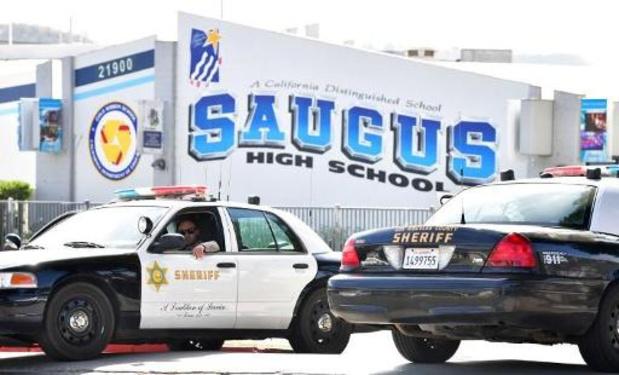 """Fusillade dans un lycée californien: le tireur a utilisé une """"arme en kit"""" non enregistrée"""