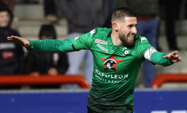 Jupiler Pro League - Cercle schuift rode lantaarn door naar Waasland-Beveren