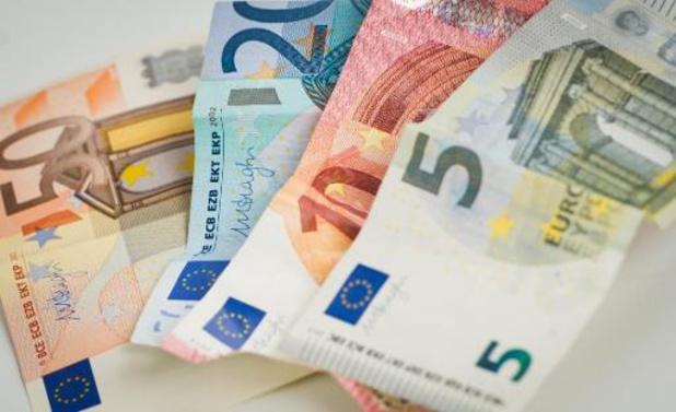 Peu de risque de contagion par les billets en euros, selon la BCE