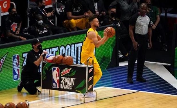 NBA: Curry helpt Golden State tegen Philadelphia aan zege, Utah verslaat Lakers