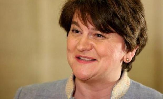 Irlande du Nord: l'unioniste Arlene Foster désignée Première ministre