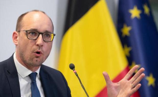"""""""Heel evenwichtig voorstel"""", vindt minister Van Peteghem"""