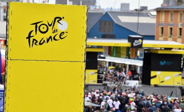 Tour de France: les organisateurs retirent leur plainte à l'encontre de la spectatrice à la pancarte