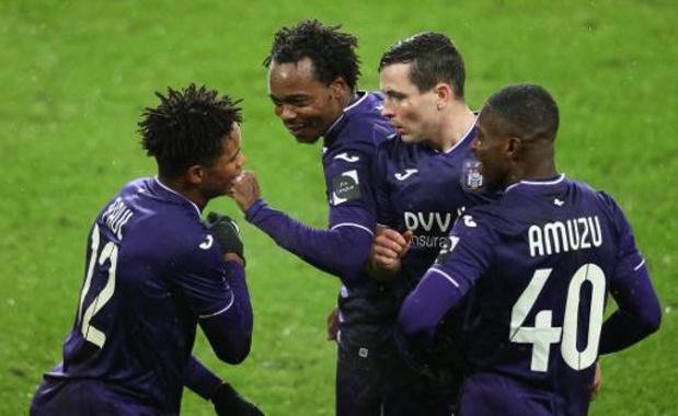 Jupiler Pro League - Anderlecht wint vlot van Beerschot en klimt naar vierde plaats