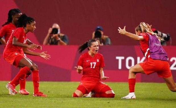 Canadese vrouwen plaatsen zich ten koste van topfavoriet VS als eerste voor voetbalfinale