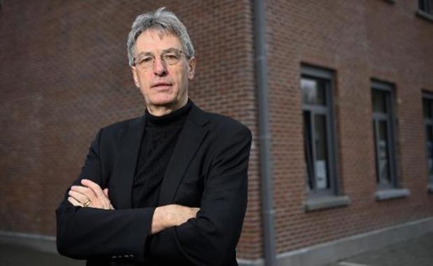 """""""Huidige maatregelen volstaan niet om scholen na paasvakantie open te houden"""" (Goossens)"""