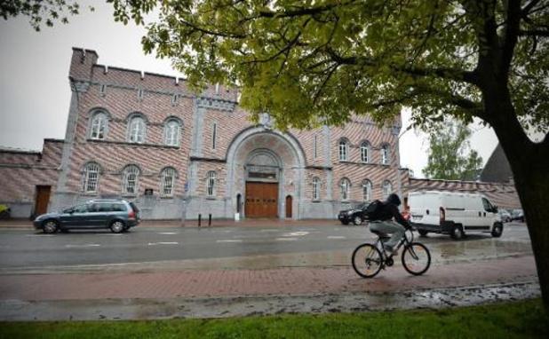 Nog eens 33 gedetineerden besmet: gevangenis van Gent gaat in lockdown