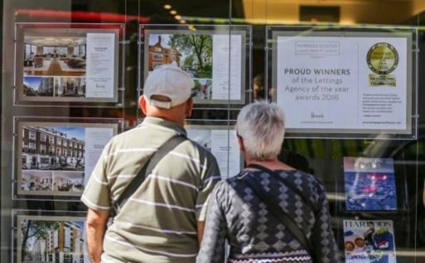 Longues listes d'attente dans les agences immobilières pour des visites