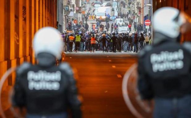 Vier personen opgepakt voor brandstichting bij rellen na betoging voor Ibrahima