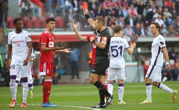 RSC Anderlecht wint Clasico in Luik met 0-1, Kortrijk verslaat Gent