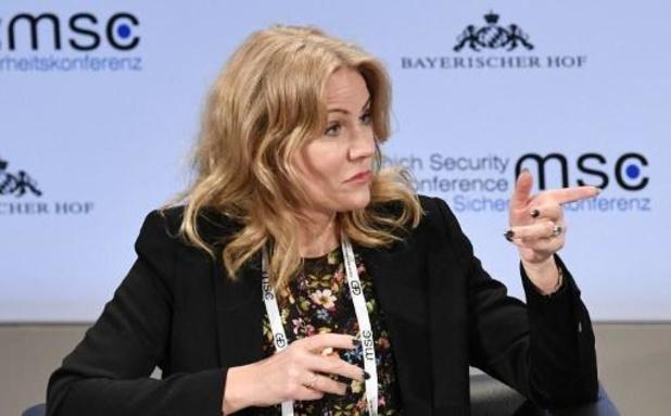"""Paris et Berlin préfèrent soutenir Helle Thorning-Schmidt que Guy Verhofstadt"""