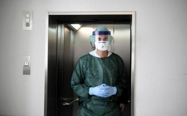 Essenscia vraagt aan chemie- en farmabedrijven om mondmaskers te geven aan zorgverleners