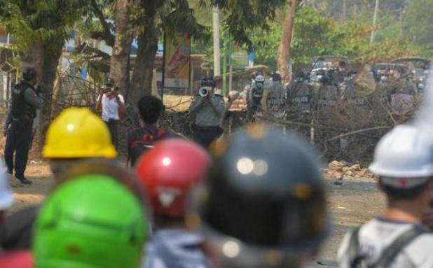 Birmanie: 200 manifestants encerclés par les forces de sécurité à Rangoun, selon l'Onu