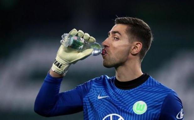 Belgen in het buitenland - Koen Casteels (Wolfsburg) met clean sheet voorbij Stuttgart van Orel Mangala