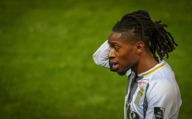 Jupiler Pro League - Charleroi verlengt contract Joris Kayembe tot 2023